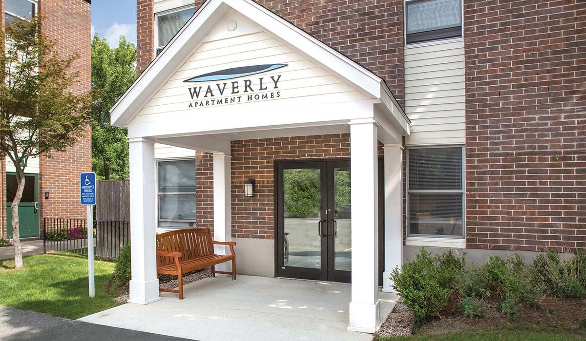 Waverly Apartments | Building Exterior